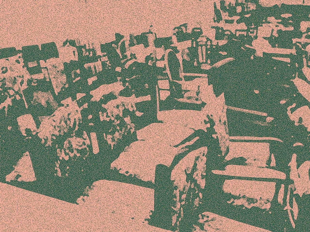 Lagerraum mit Stühlen und Sesseln