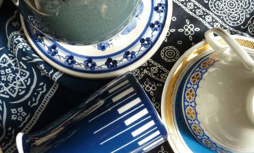 Marineblau und Weiß Porzellan Slowfood für den Kopf