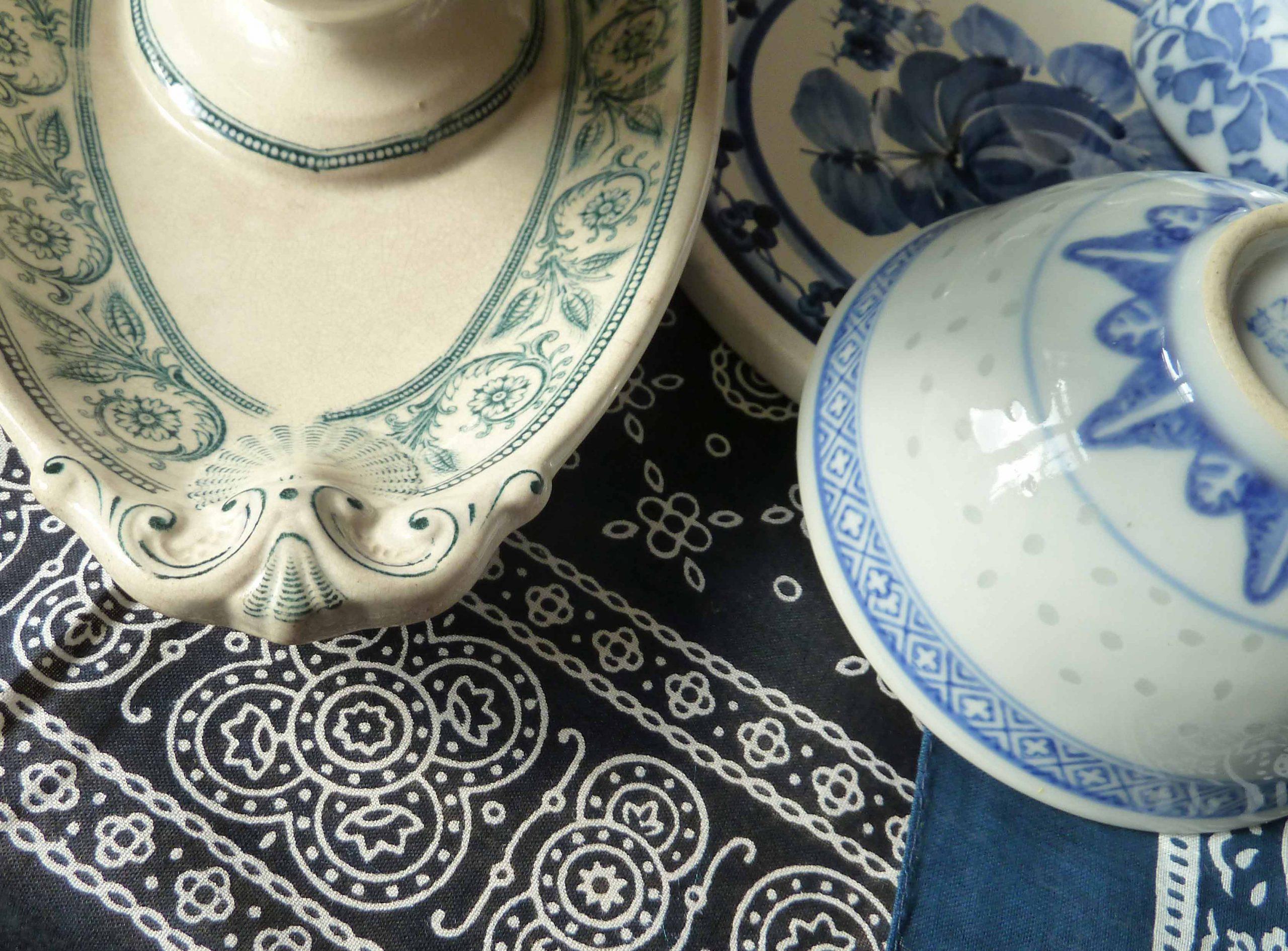 Porzellan auf Nickituch marineblau weiß Entschleunigung
