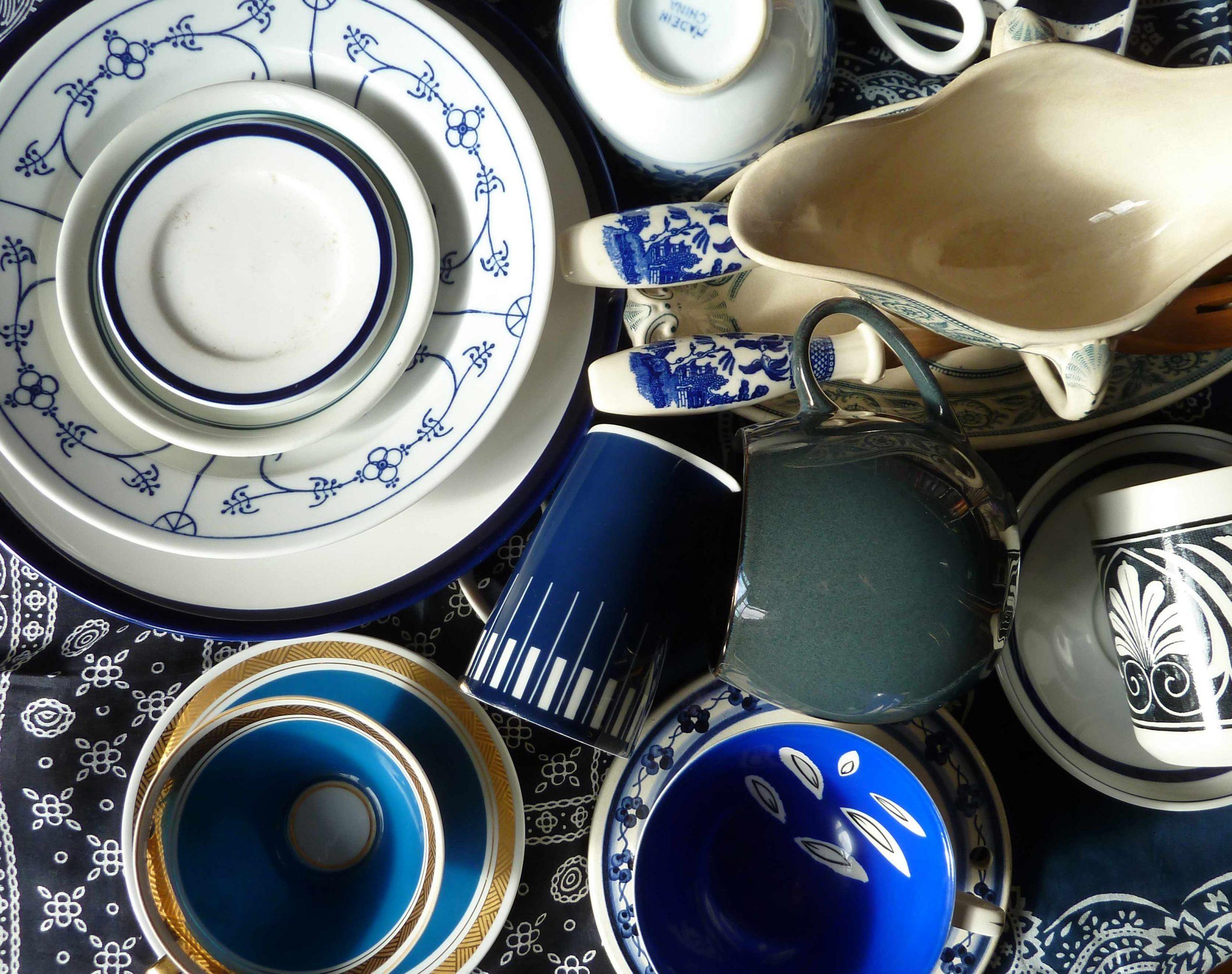 marineblau und weiss sammlung von Porzellan Slowfood