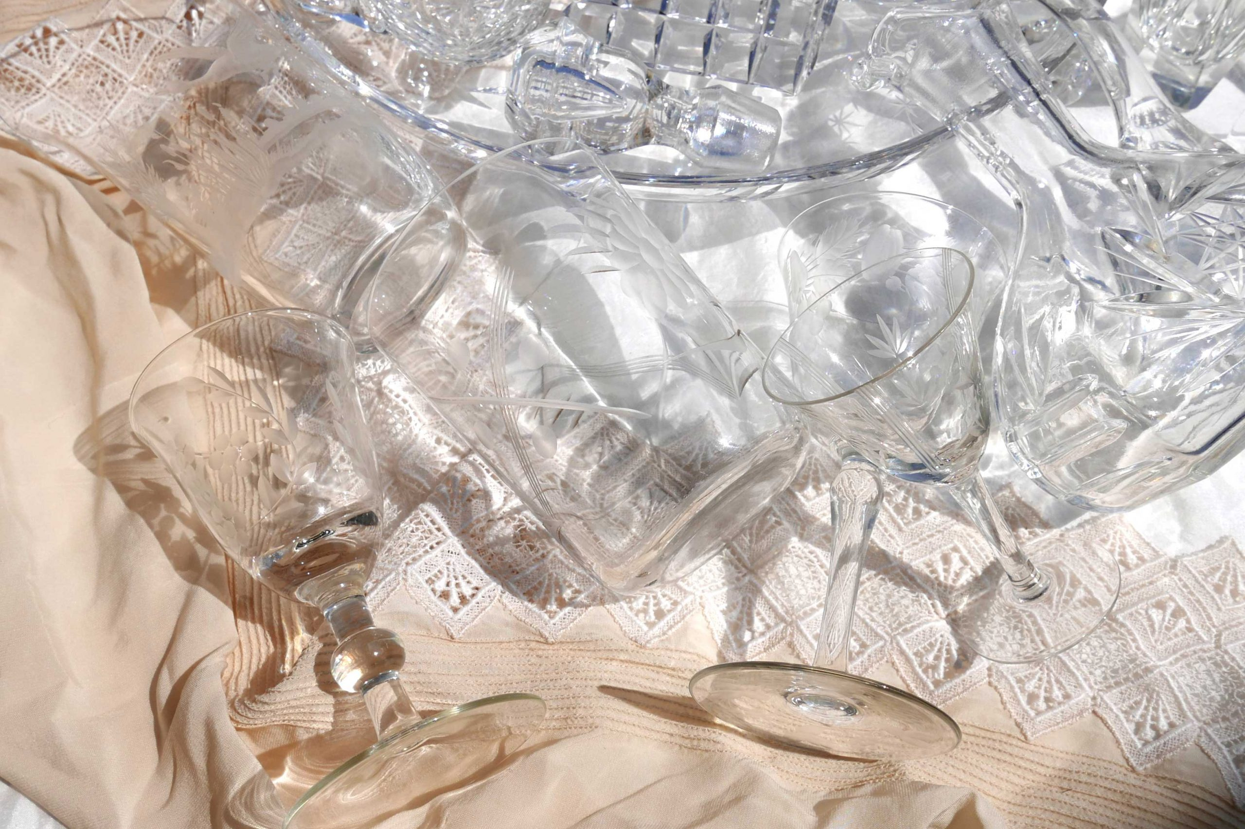 Kristallglas Klarheit Weinglas in der Sonne
