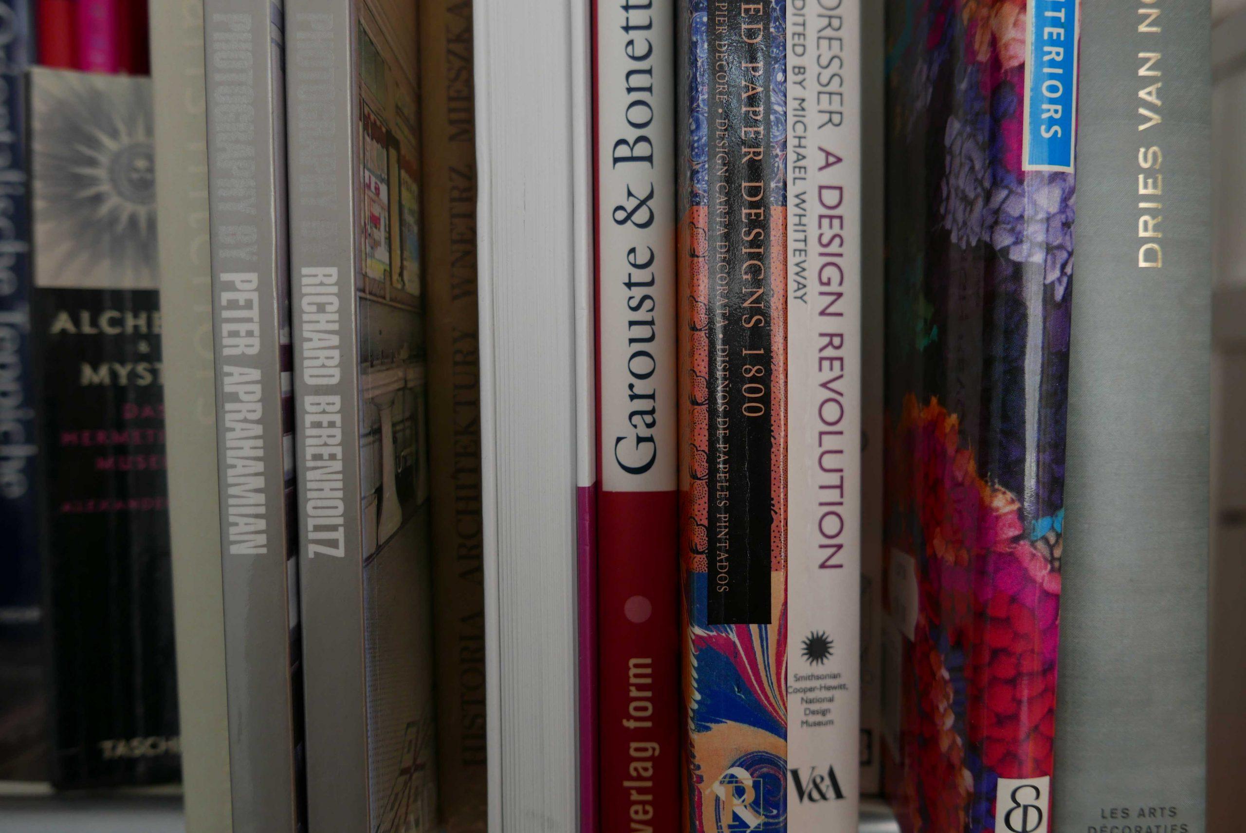 Buchrücken der Design Bildbände