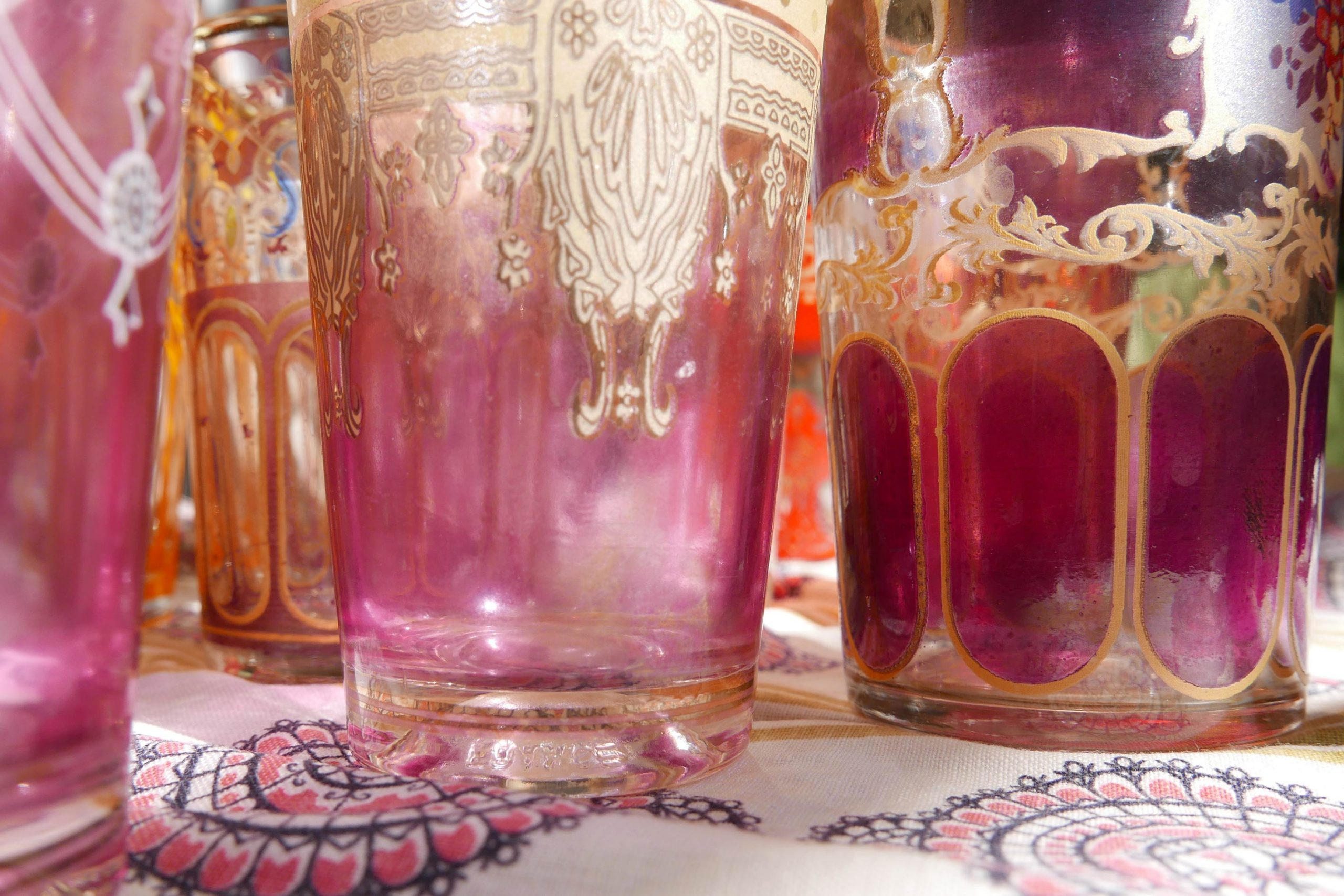 Detailsnsicht Teegläser violett