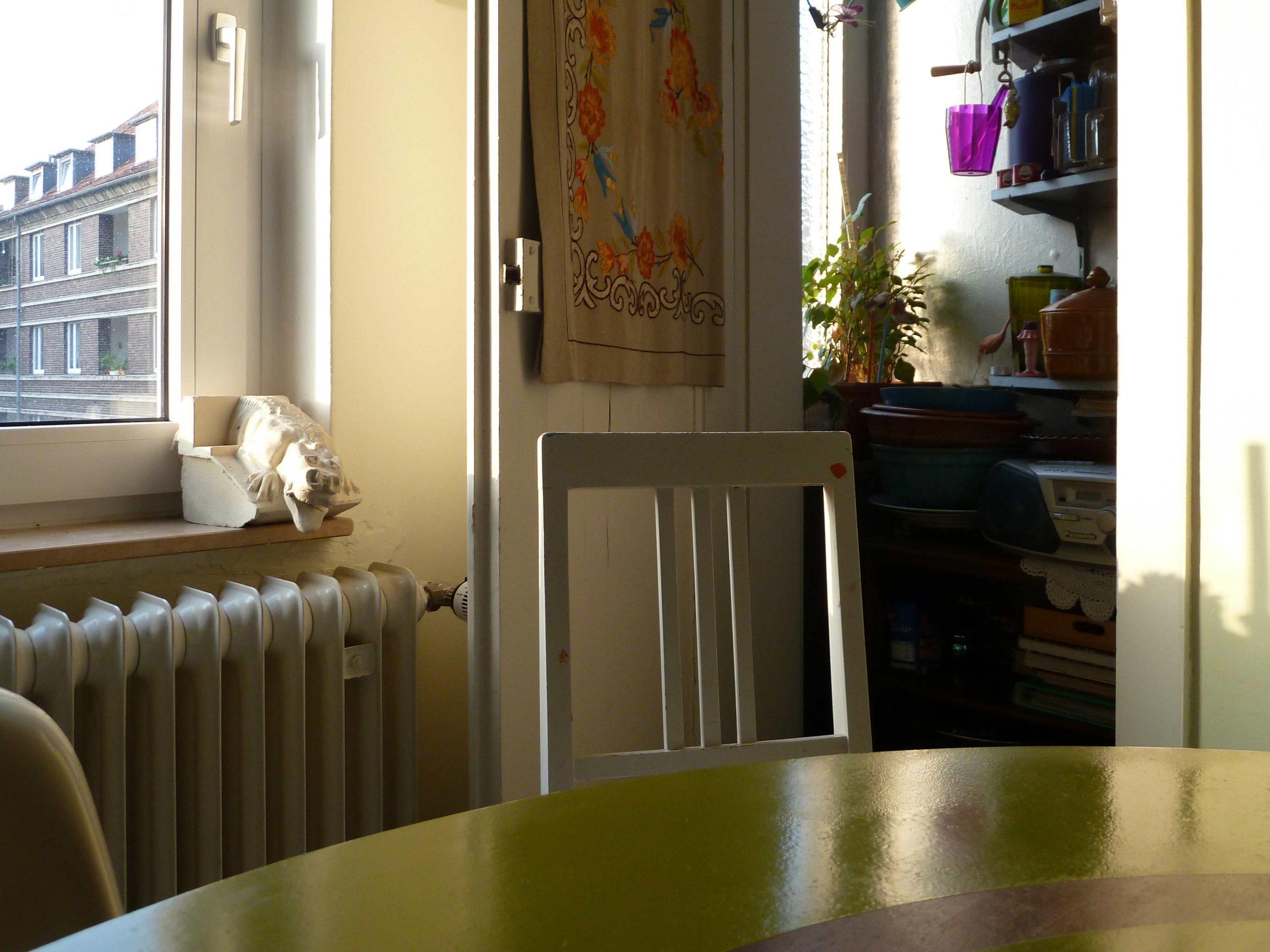 Küchenphilosophie Einblick in die Speisekammer über den Tisch