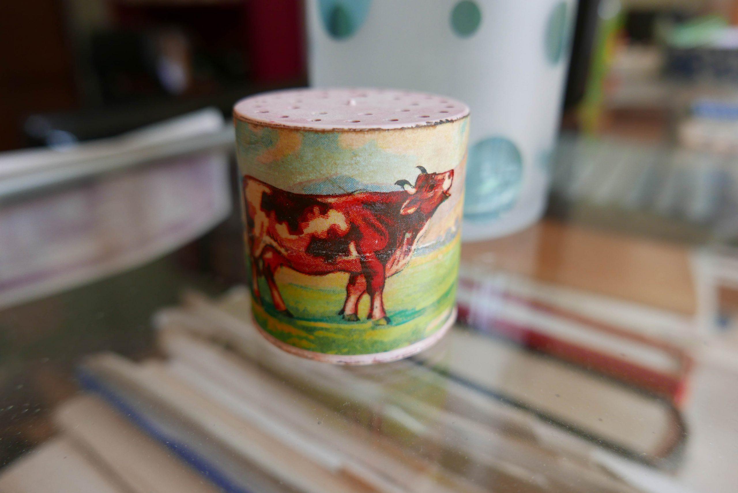 Spielzeug Kuh mit Sound im Glasregal
