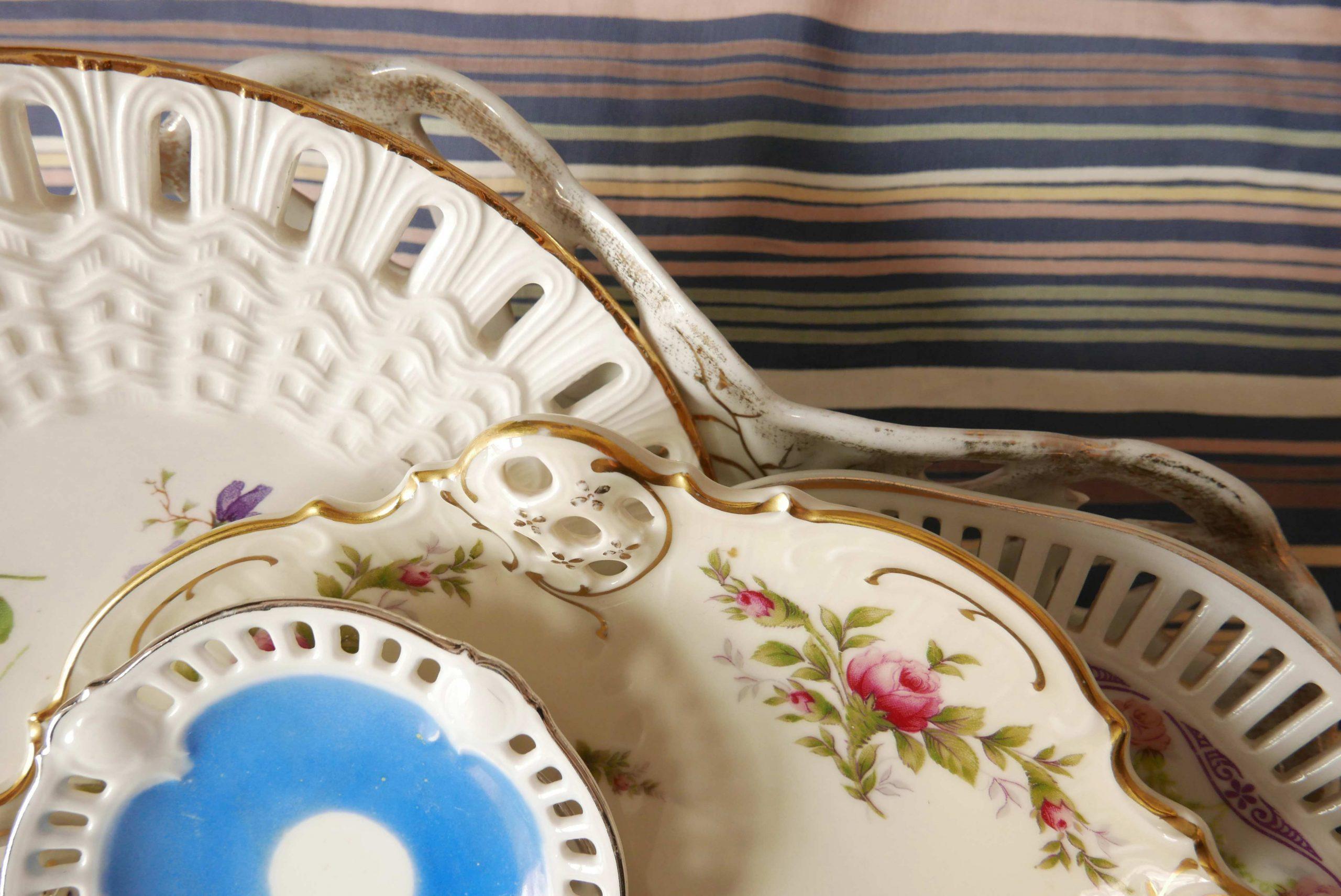 Teller mit Lochdekor Durchbruch Porzellan mit Löchern