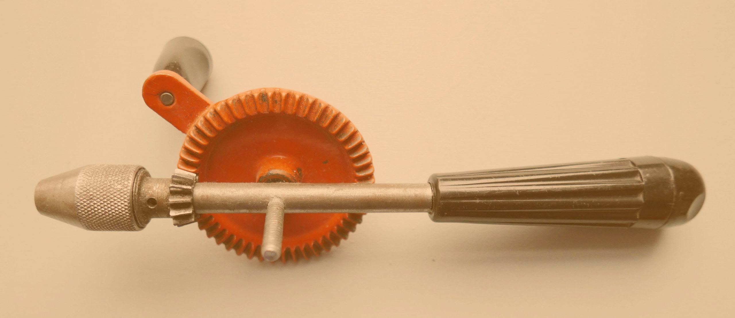 Umbauen und Reparieren Werkzeug Handbohrer mit Zahnrad und Kurbel