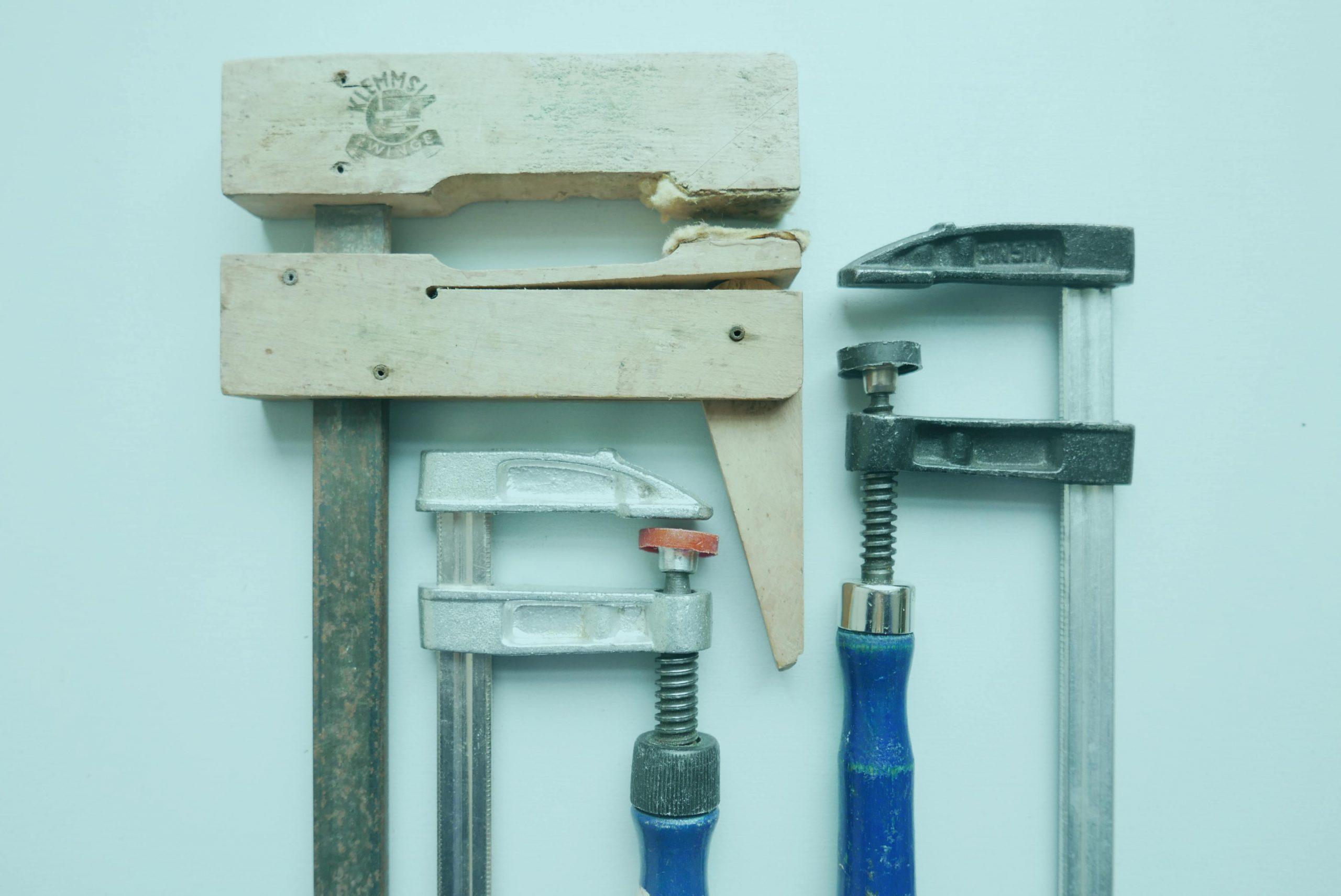 Werkzeug Schraubzwingen und Holzklemmzwingen