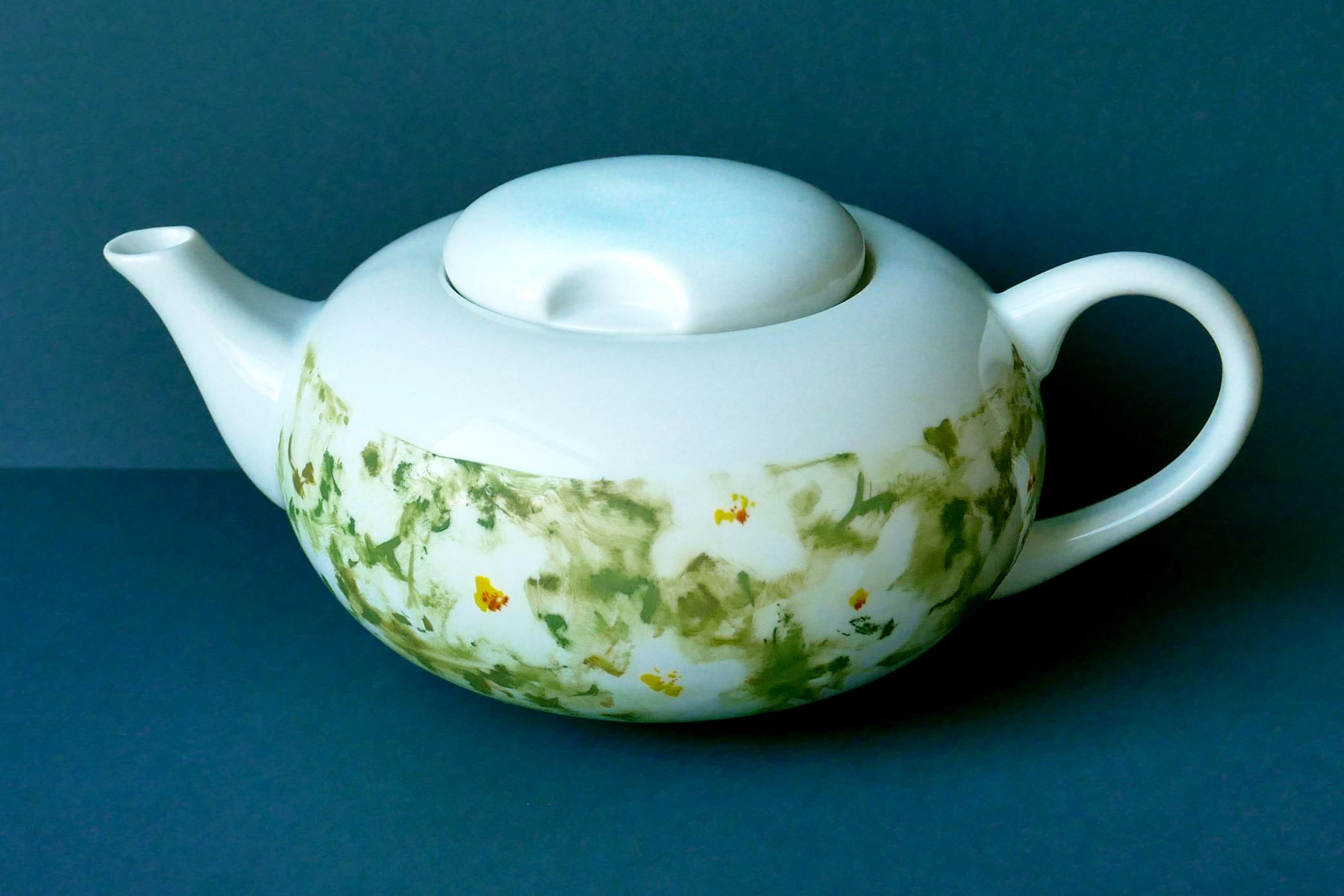 Victim Pot Jasmintee, weiße Teekanne mit Blumendesign