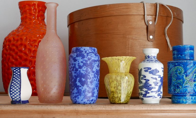 Viele Vasen und keine Blumen Glas und Porzellanvasen Styling