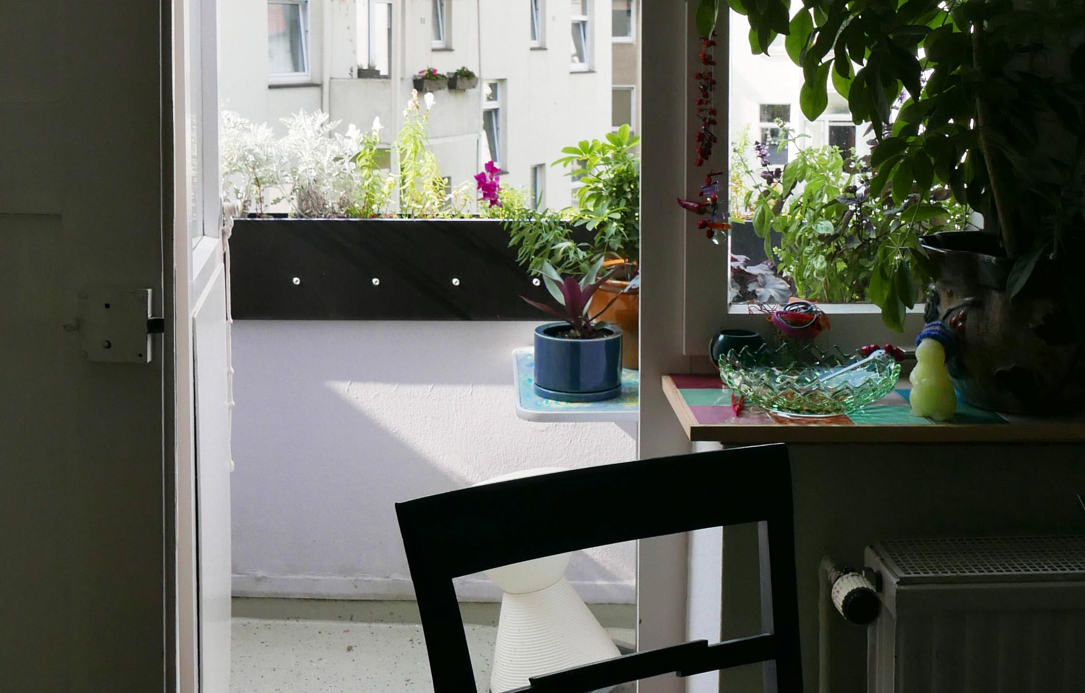 Brüstungserhöhung vom Balkon im Altbau ohne Bohren Ansicht aus der Küche