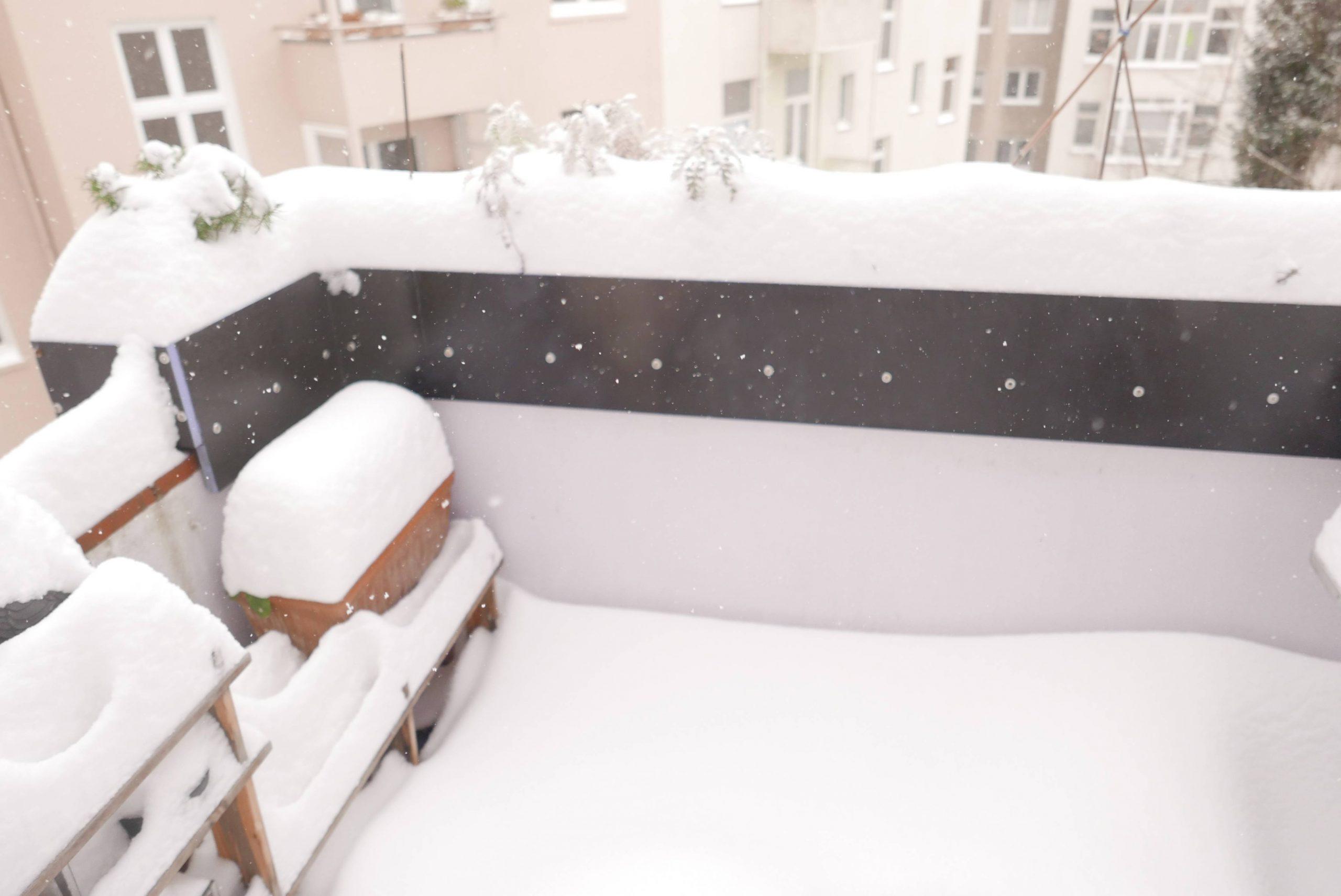 Brüstungserhöhung vom Balkon im Altbau im Winter