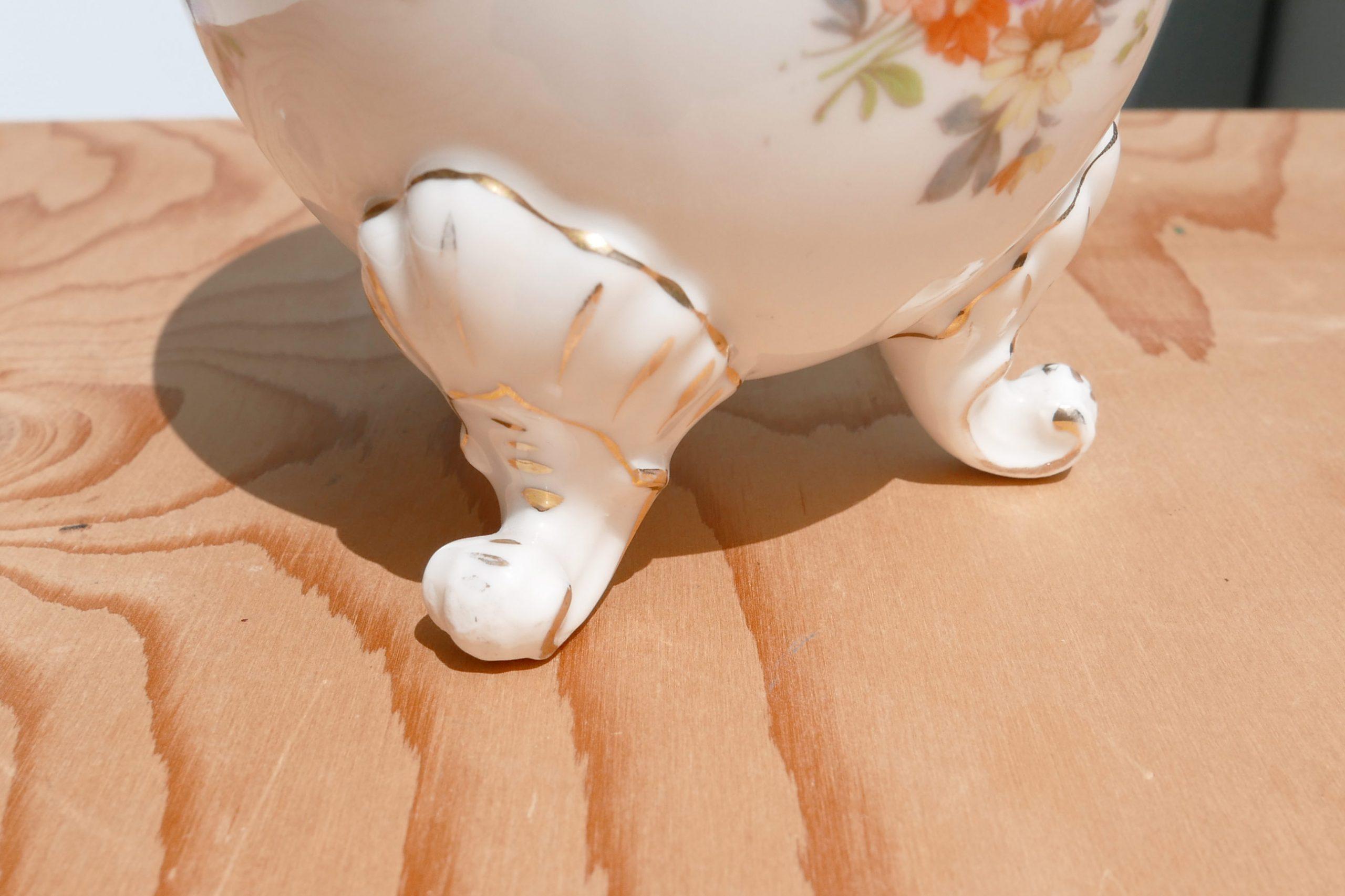ovale Vase Schlegelmilch Gefäße mit Füßchen